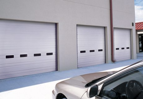 INDUSTRIAL SERIES – Model 524 overhead doors